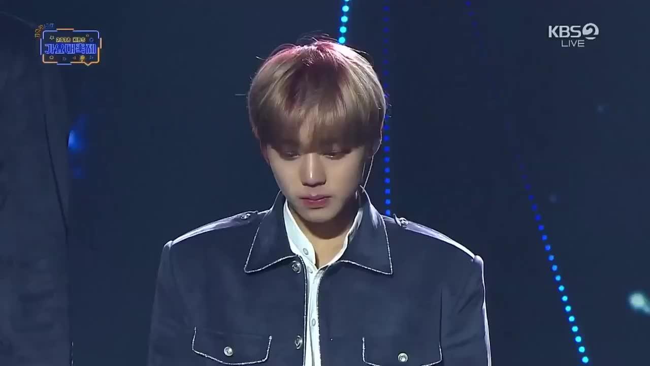 Không cần sân khấu hoành tráng, chỉ với điều này Wanna One đã lấy trọn nước mắt khán giả