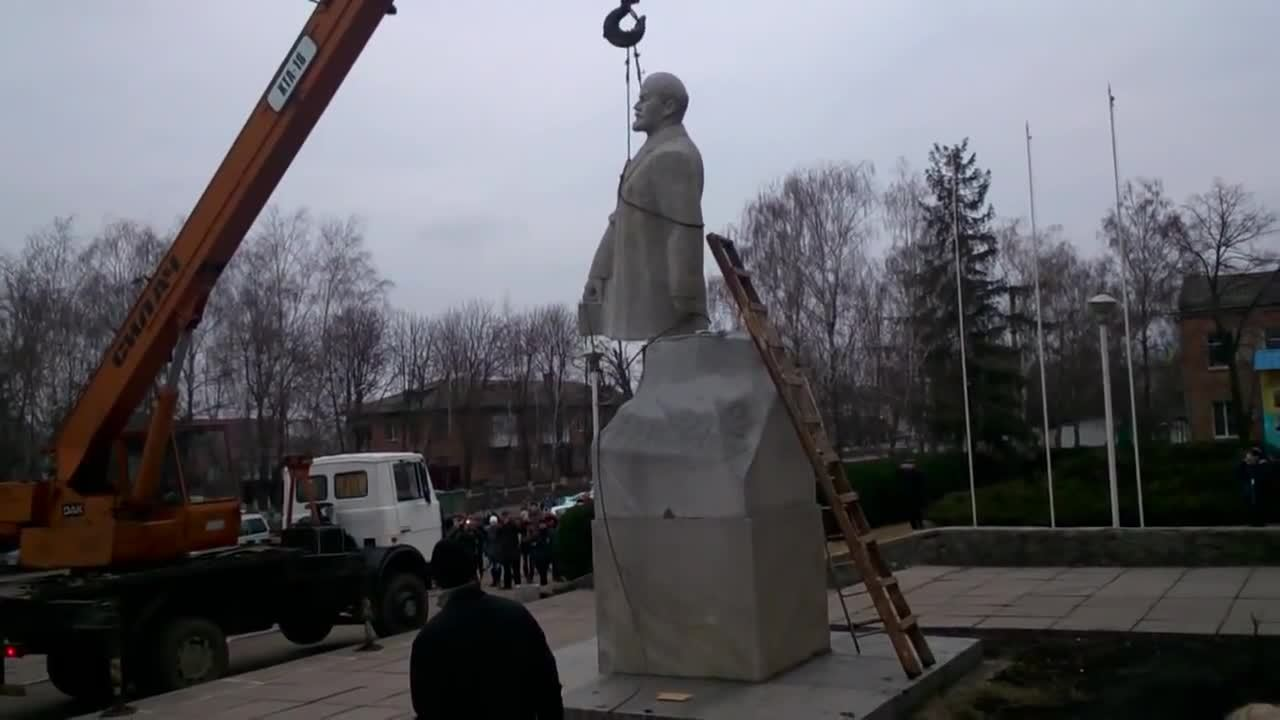 Fail, Lenin, whatcouldgowrong, Dismantling this statue of Lenin, WCGW? GIFs