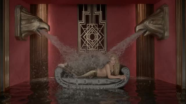 i would love to watch Shakira get showered just like this with the jizz of all her male fans.