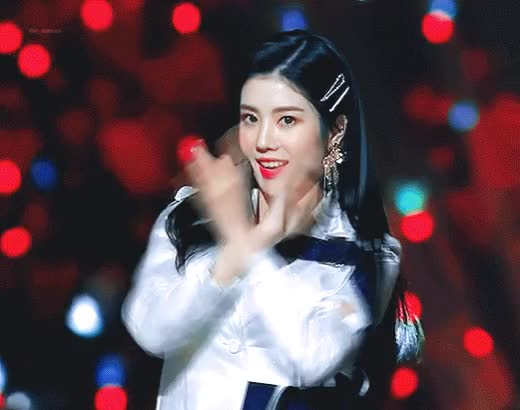 Watch Kwon Eunbi Mama 2018 ♥ GIF by KenGarfield (@mrkenko0l) on Gfycat. Discover more mrkenko0l GIFs on Gfycat
