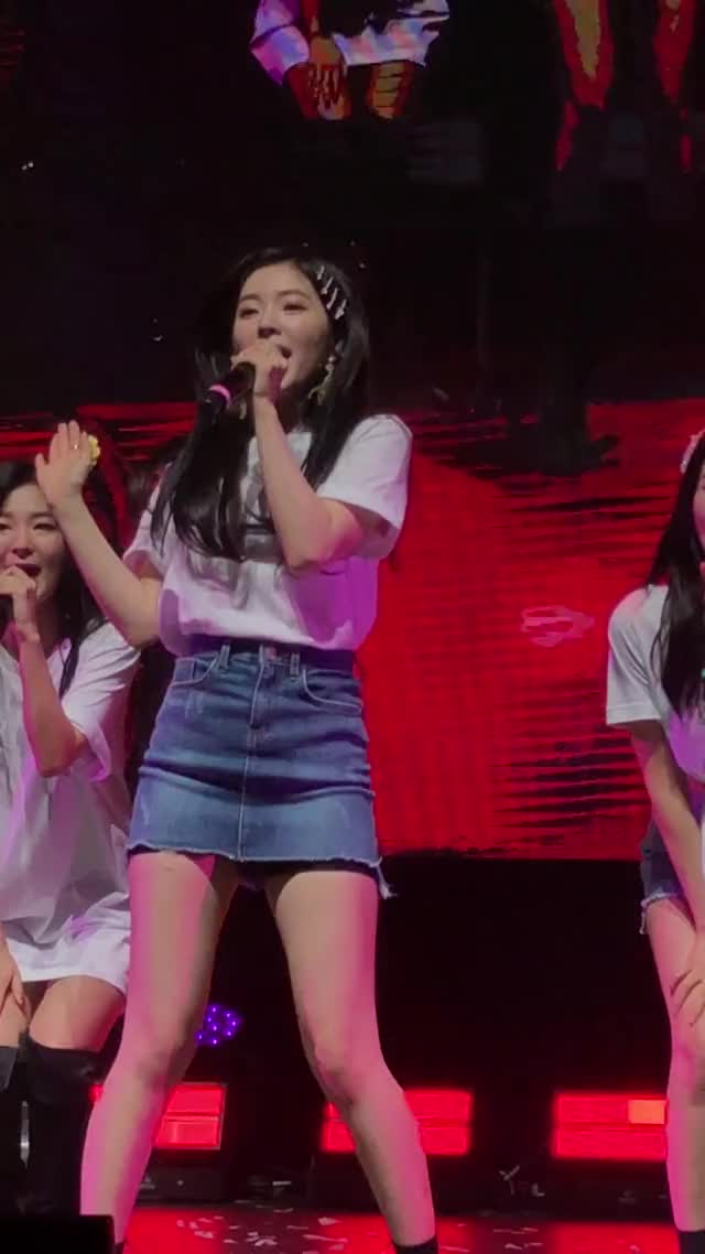 Watch Irene GIF by @jiyasu on Gfycat. Discover more Red Velvet, fancam, irene, kpop, redmare GIFs on Gfycat