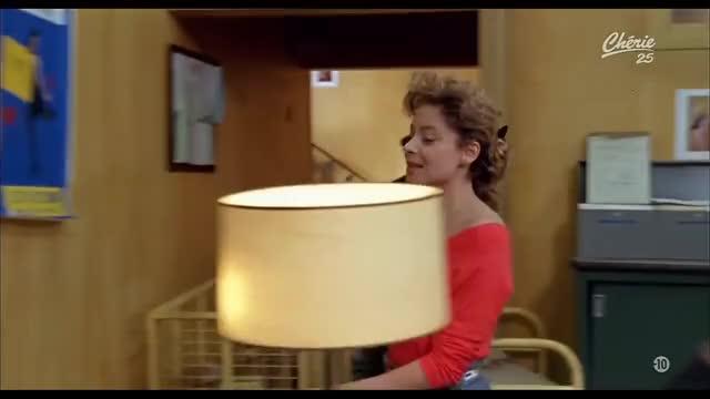Watch and share Promotion Canapé-Film Complet En Français GIFs on Gfycat
