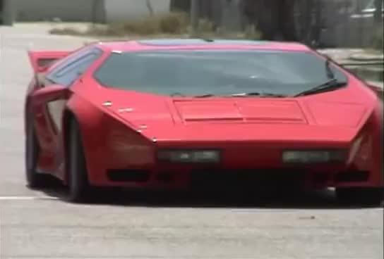 Best Lamborghini Countach Gifs Find The Top Gif On Gfycat