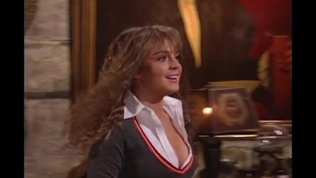 Watch Harry Potter: Hermione Growth Spurt - SNL GIF on Gfycat. Discover more SNL, Saturday Night Live, cleavage, emma watson, growth spurt, harry potter, hermoine, hogwarts, lindsay lohan, seth meyers GIFs on Gfycat