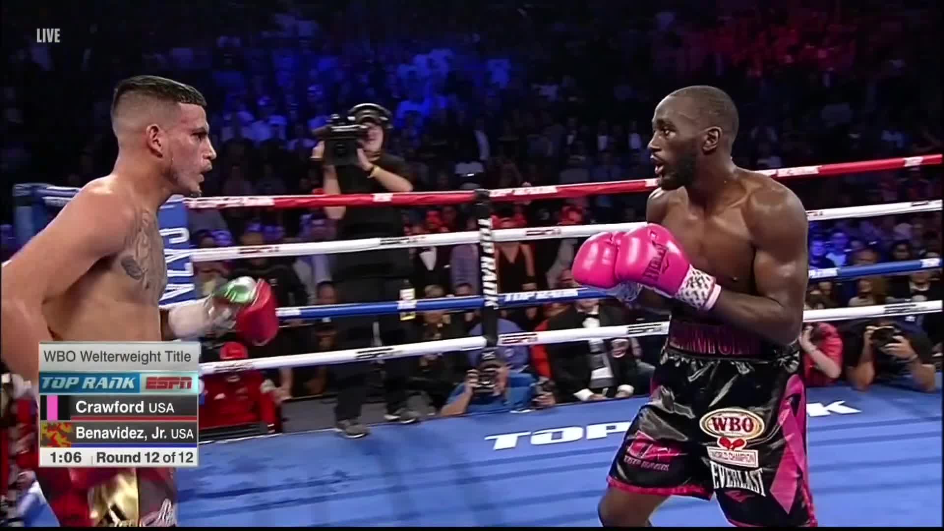 boxing, david benavidez jr, terence crawford, Crawford drops Benavidez Jr with less than a minute left in the final round GIFs