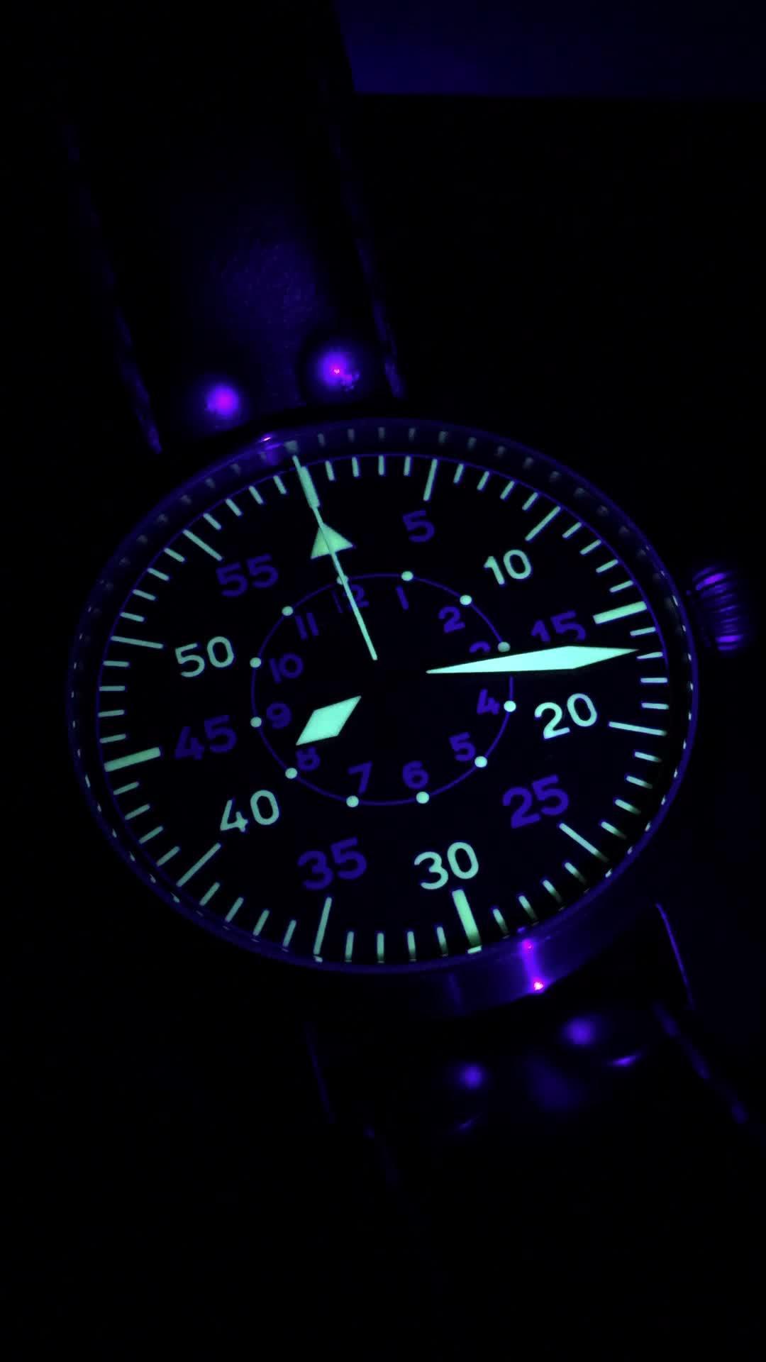watches, [Stowa] Black light lume timelapse, looks like old-school radar display (reddit) GIFs