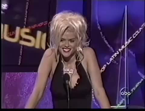 Watch Anna Nicole Smith @ the Billboard Awards (2004) GIF on Gfycat. Discover more 2004, Anna, Billboard, Kanye, NICOLE, Smith, awards, boy, clap, freakin, high, plan, prompter, weird, west, workout GIFs on Gfycat