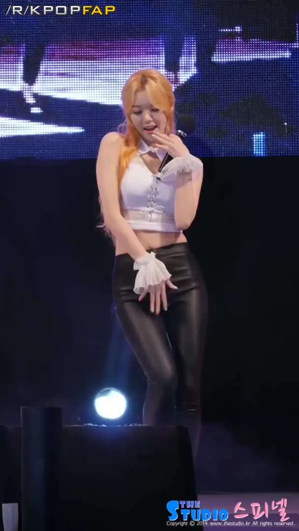 Dal Shabet Serri Tits #99 (Boasting her tits showing them off while rubbing her crotch shaking her ass dropping like its hot live)