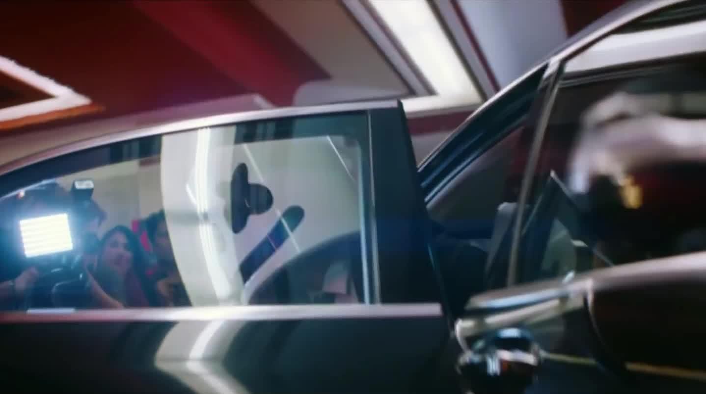 biba, car, come, door, feat, hello, hey, hi, limo, marshmello, marshmellow, out, premiere, pritam, setia, shirley, smile, wave, waving, Marshmello x Pritam - BIBA feat. Shirley Setia GIFs