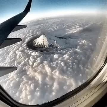 "Watch and share Belxab - El Monte Fuji ""cortando"" Nubes Mt. Fuji Cloud Sweep GIFs by omglmaowtf on Gfycat"