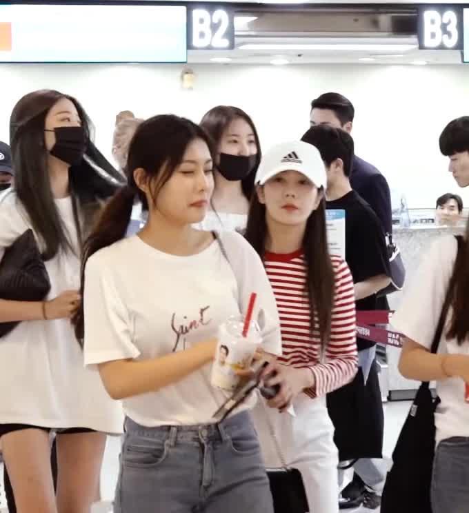 izone, kang hyewon, 강혜원, kang hyewon1 GIFs