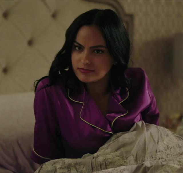 Watch and share Veronica Lodge GIFs and Camila Mendes GIFs by Quacksterz on Gfycat
