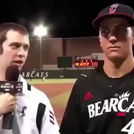 Team mastered the Art of trolling post game interviews - gif