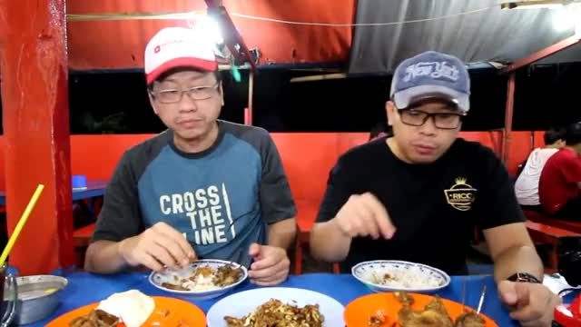 Watch Makan Seabreg Berdua Dibawah 60rb di Ayam Penyet Pecel Lele Permata Mubarok - Jakarta GIF on Gfycat. Discover more ciamik, enjoyaja, enjoyajadotcom, kuliner, maknyus, vlog, vlogs GIFs on Gfycat