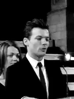 Watch speech. GIF on Gfycat. Discover more 1d, 1d af, Louis, Niall, OTRA, drag me down, harry, harry 1d, harry styles, larrie, larry girl, larry stylinson, liam, liam 1d, liam payne, lilo, louis 1d, louis gif, louis girls, louis tomlinson, niall 1d, niall horan, one direction, otra tour GIFs on Gfycat