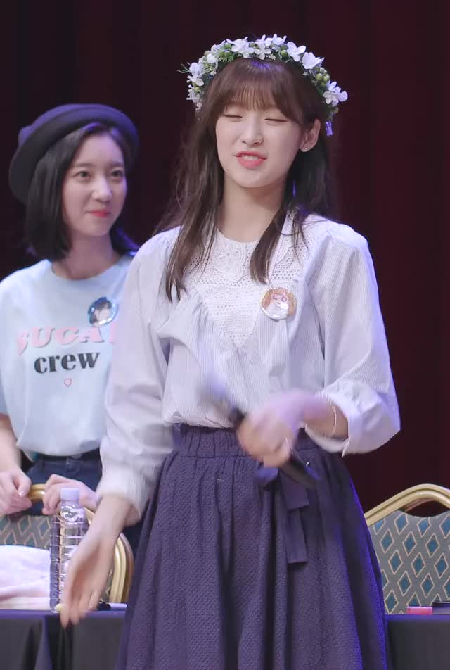 Watch [4K] 180630 오마이걸 아린 직캠 '도도한 애교' Oh My Girl(Arin) Fancam @오마이걸 반하나 팬사인회(완전체) CTS아트홀 By 벤뎅이 GIF by Hyosung (@hyosung) on Gfycat. Discover more Arin, Binnie, Kpop, OMG, Oh My Girl GIFs on Gfycat