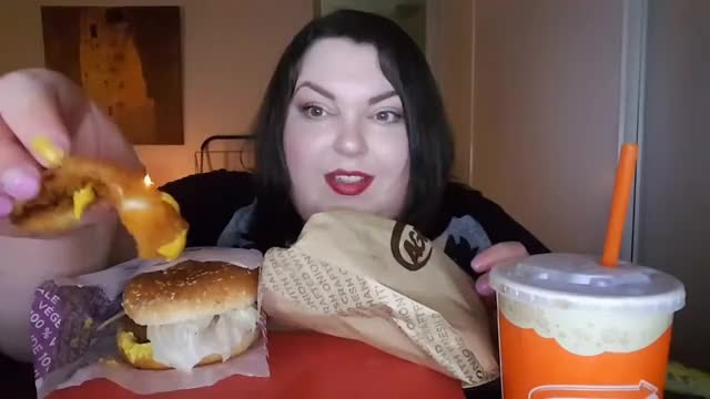 A&W BEYOND MEAT BURGER MUKBANG AND FIRST IMPRESSION GIF | Find, Make