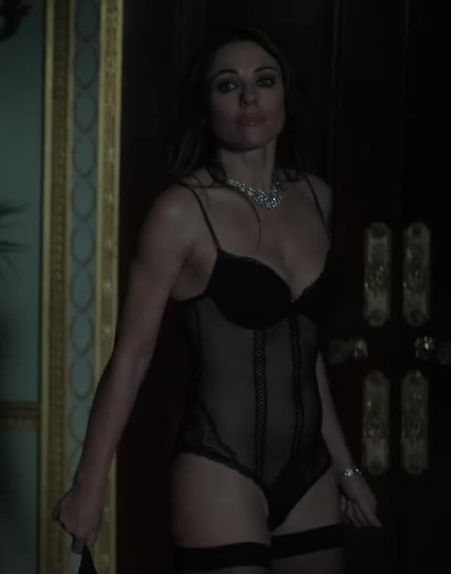 Watch this elizabeth hurley GIF on Gfycat. Discover more askscience, elizabeth hurley, friends GIFs on Gfycat