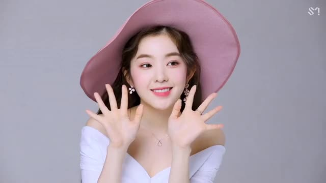 Watch and share Irene Red Velvet GIFs by bjh0329 on Gfycat