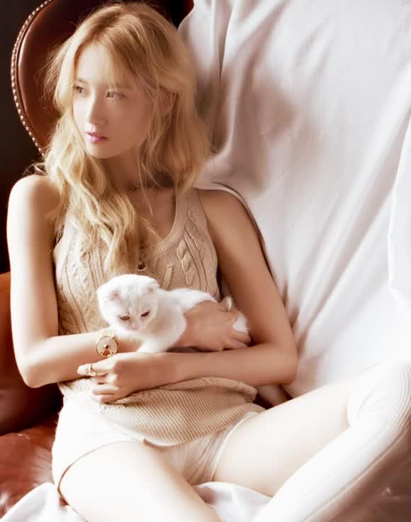 Watch and share Kpics GIFs and Yoona GIFs on Gfycat
