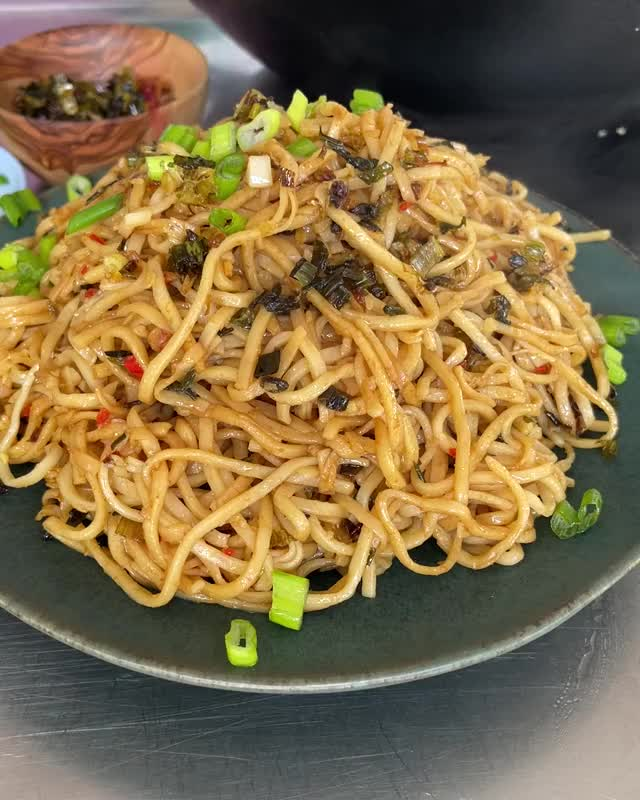 Watch and share 07062021 1450 CRISPYONIONNOODLES REDDIT GIFs by MobKitchenUK on Gfycat