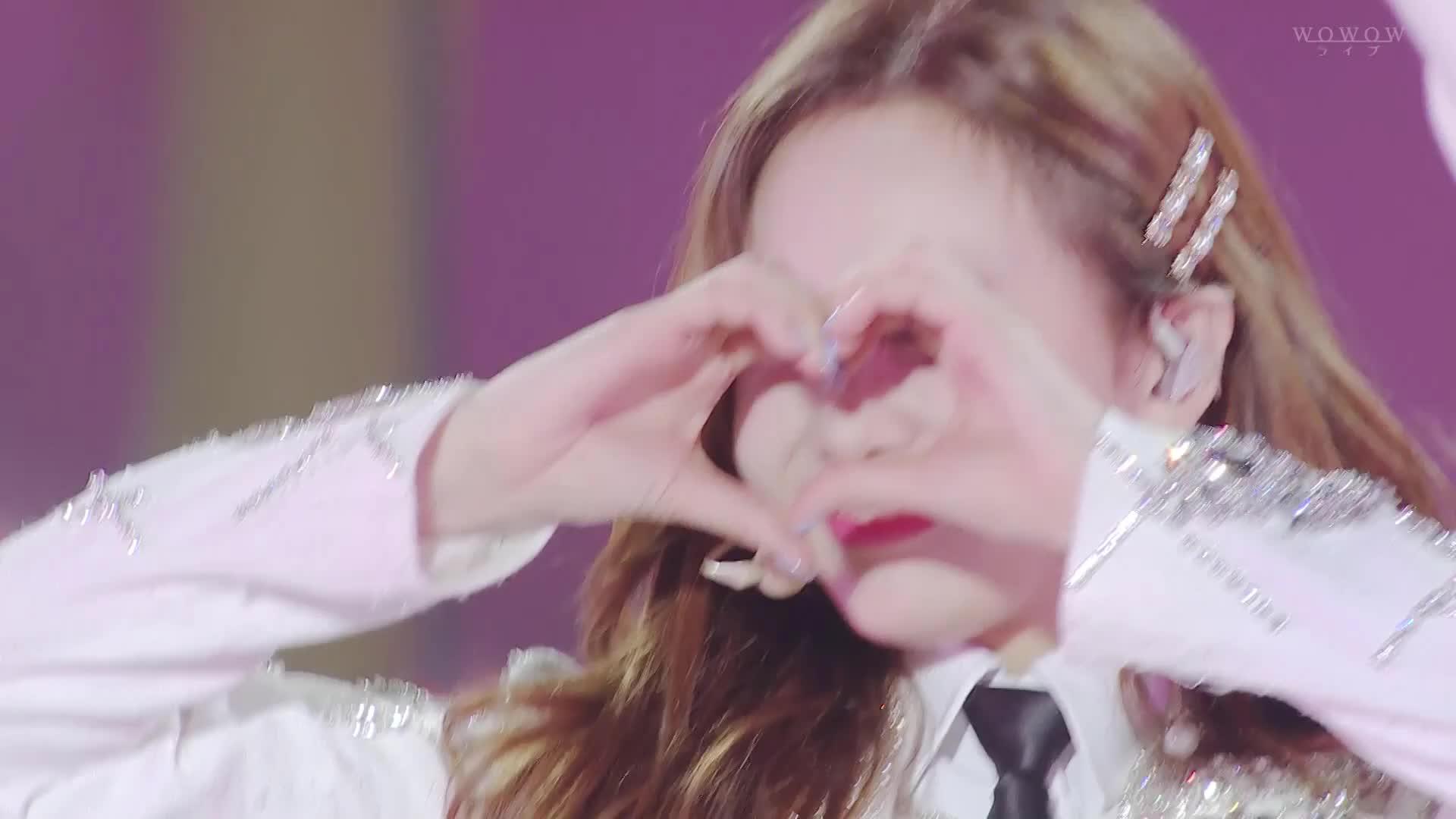 celebs, dreamday, kpop, nayeon, twice, Cutie Nayeon heart GIFs