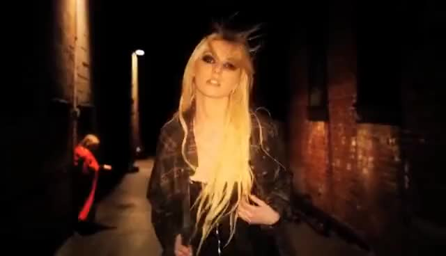 Watch taylor momsen GIF on Gfycat. Discover more momsen, taylor, the pretty reckless GIFs on Gfycat