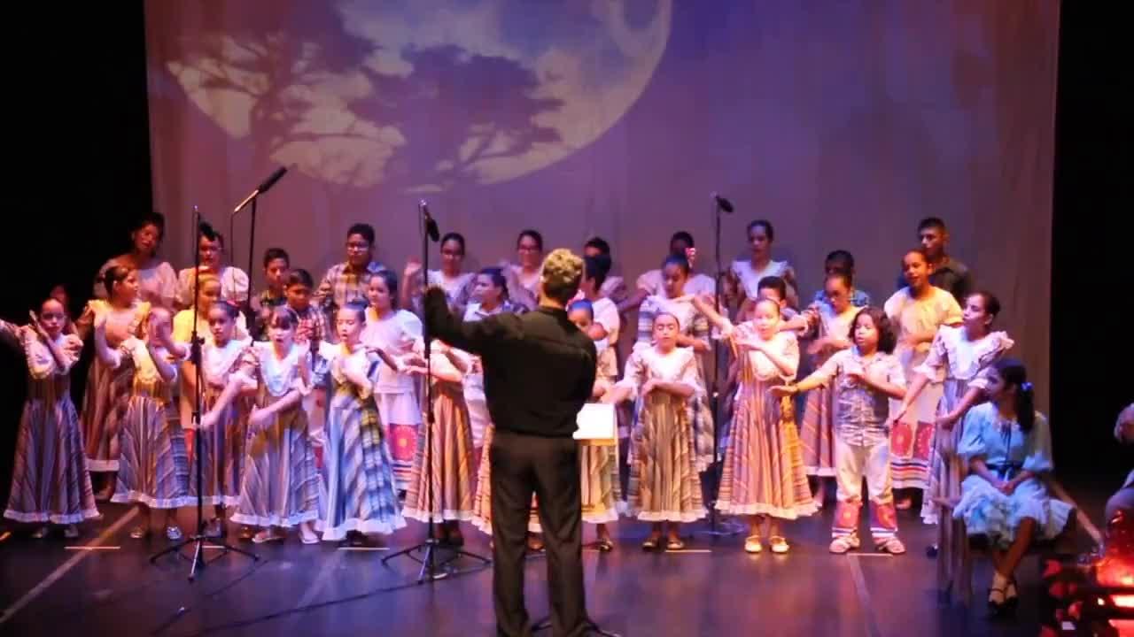 Coral Infantil do Liceu Claudio Santoro - Espetáculo Riquezas do Brasil GIFs