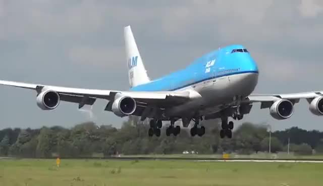 Watch and share 747landing GIFs on Gfycat