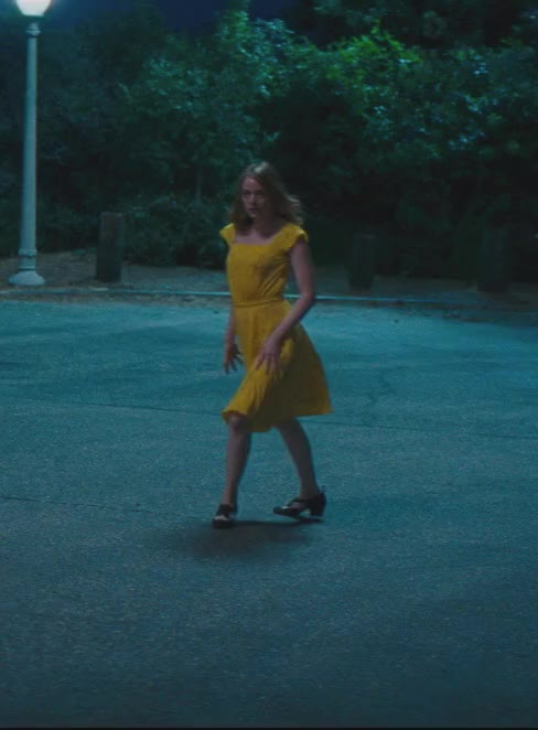 Watch Right back at ya - Emmas Stone GIF by La La Land (@lalaland) on Gfycat. Discover more lalaland, lionsgate, movies, point GIFs on Gfycat