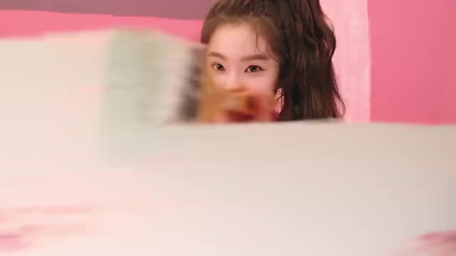 Watch Irene GIF by @enter_text_here on Gfycat. Discover more irene, kpics, redvelvet, 레드벨벳, 아이린 GIFs on Gfycat