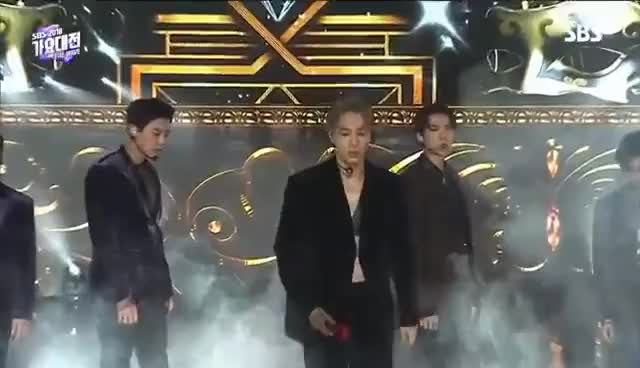 Watch this trending GIF on Gfycat. Discover more 2018sbs, exo, sbs GIFs on Gfycat