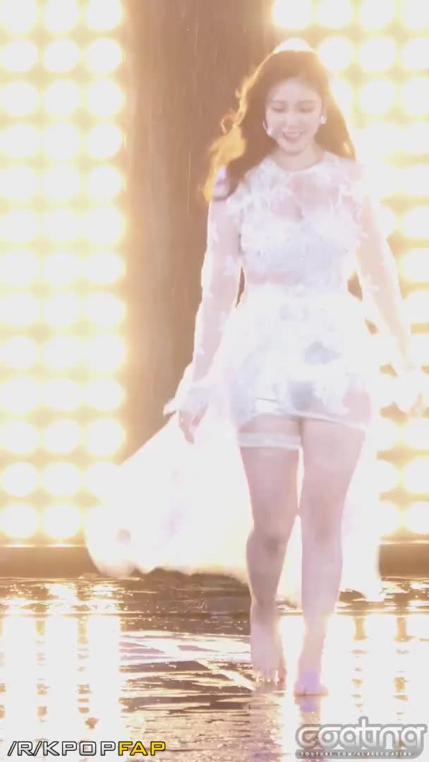 Watch Barefoot Hyosung 160427 GIF by @caoji on Gfycat. Discover more related GIFs on Gfycat