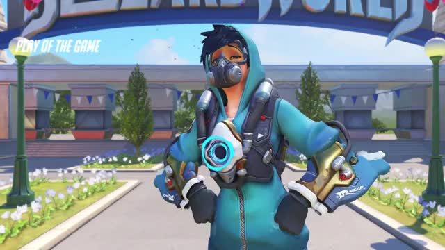 Watch and share Tracer1 18-05-07 22-13-51 GIFs on Gfycat