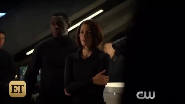 Watch this trending GIF on Gfycat. Discover more 2016, Arrow, DC, DEO, EXCLUSIVE, Marvel, bts, crossover, dream, et, etonline, fun, kal-el, news, supergirl, superman, tv GIFs on Gfycat