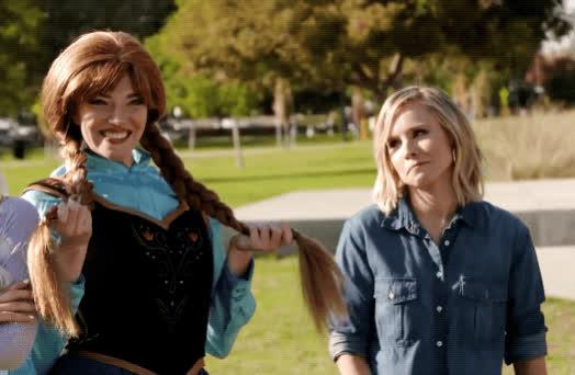 anna and elsa, frozen, kristen bell, momsplaining, petty, Momsplaining With Kristen Bell  GIFs