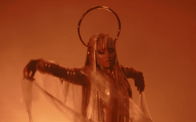album, burn, clip, dance, dancer, dancing, flirt, flirty, ganja, gold, golden, minaj, new, nicki, queen, seduce, sexy, song, video, wig, Nicki Minaj - Ganja Burn GIFs