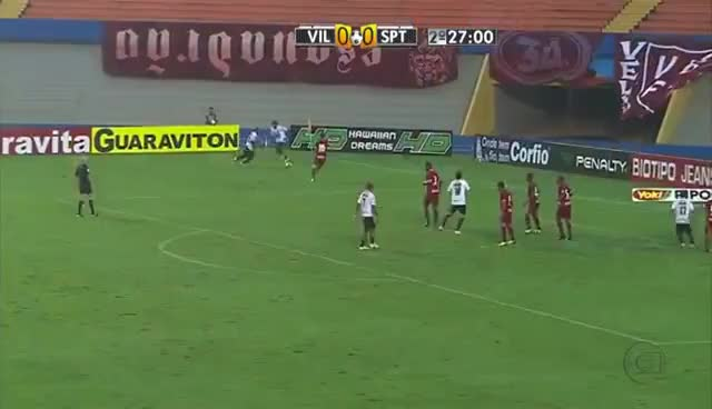 Watch and share Bruno Mineiro Gol Do Acesso GIFs on Gfycat