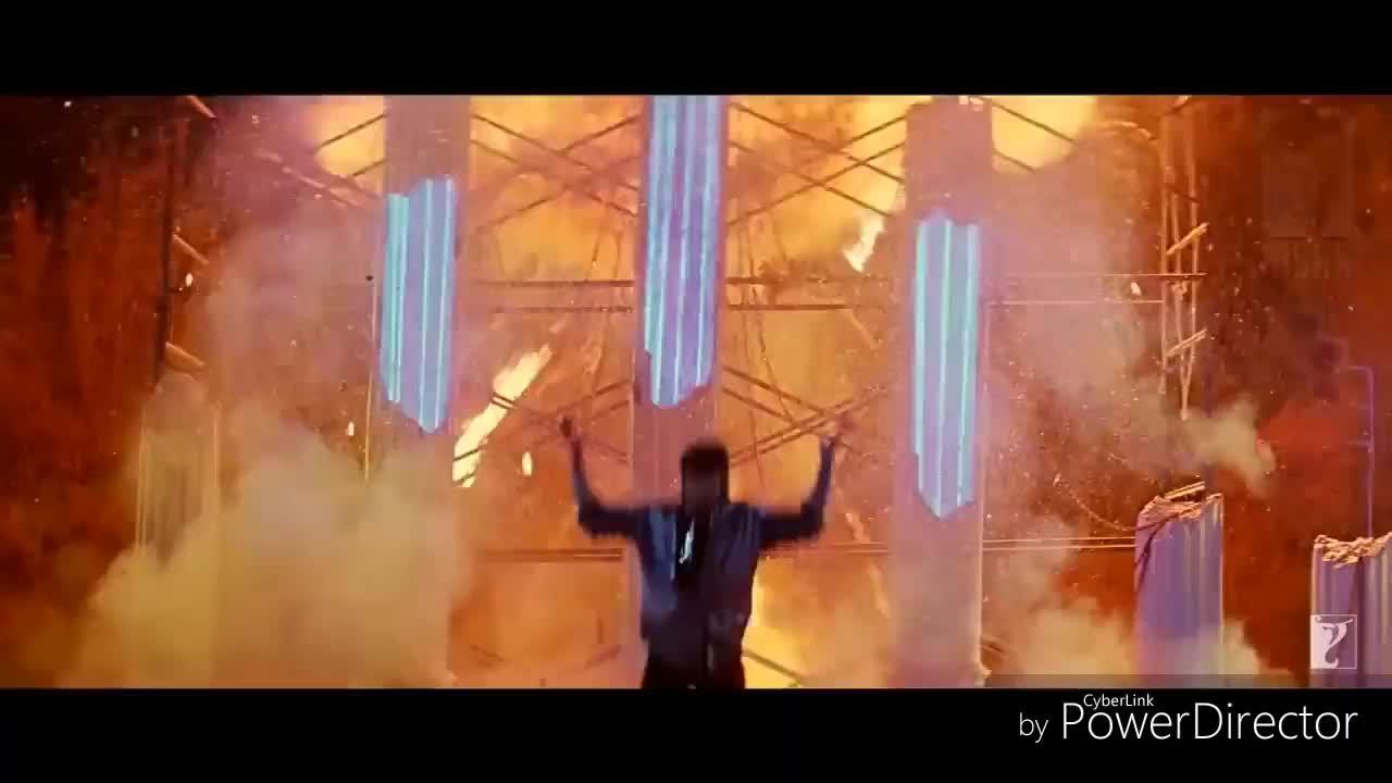 Le Gayi Song Srk Entry Scene Shah Rukh Khan Dil To Pagal Hai