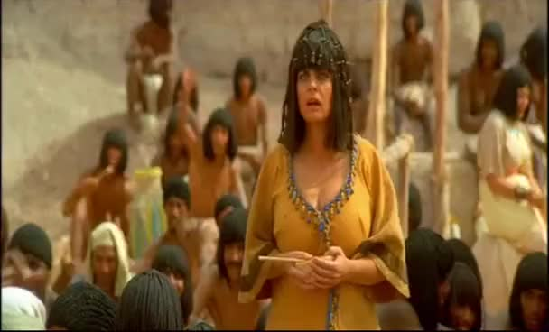 Watch Astérix mission Cleopatre - Amonbofis on vous exploite ! GIF on Gfycat. Discover more related GIFs on Gfycat