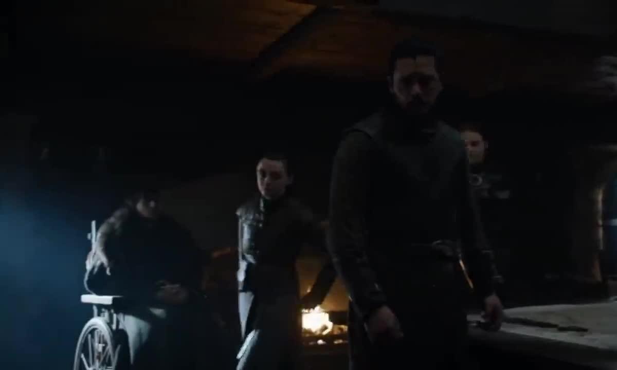 arya stark, game of thrones, jon snow, kit harington, maisie williams, season 8, Arya Sansa Need a Word with Jon Game of Thrones GIFs