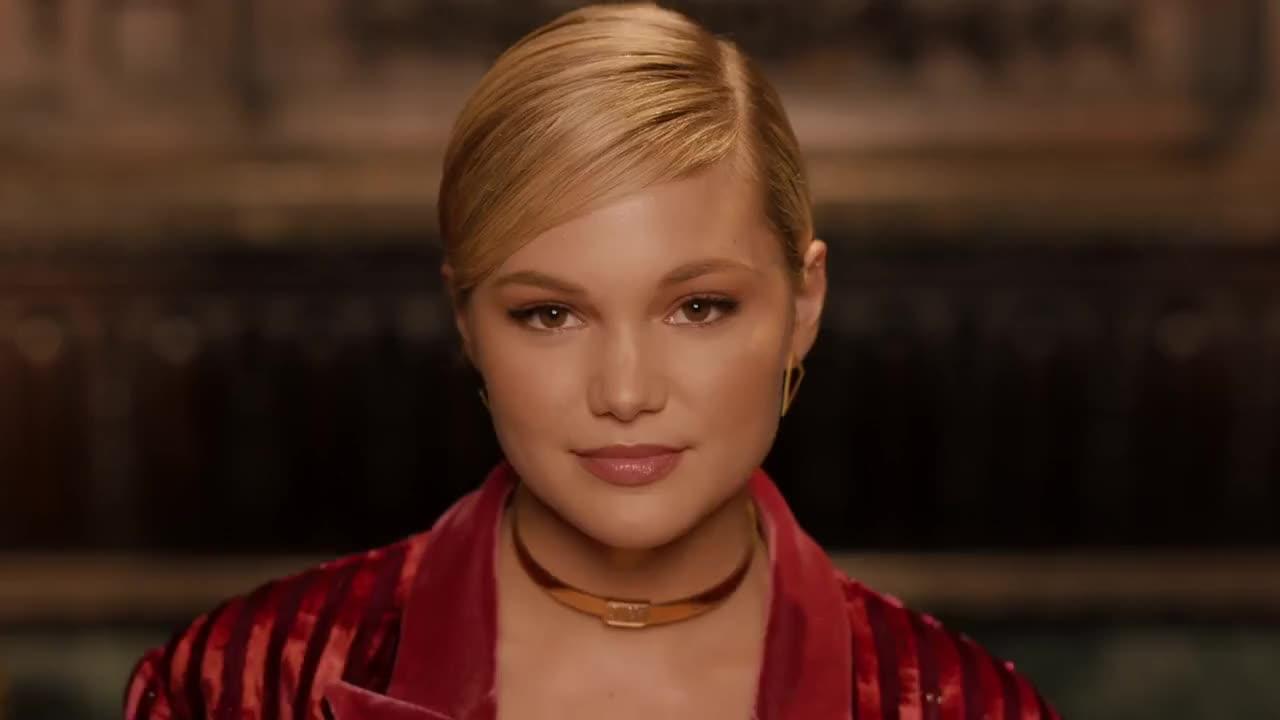 cute, flirt, kiss, olivia holt, sexy, wink, Olivia Holt Wink GIFs