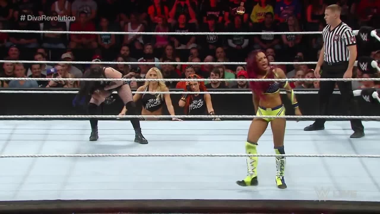 Becky Lynch, Charlotte, Divas Revolution, Naomi Knight (Person), Paige, Raw, Sasha Banks, Tamina Snuka (Person), Total Divas, WWE Divas, WWE NXT (TV Program), WWE RAW (Recurring Competition), superstars, world wrestling entertainment, wrestle, wrestler, wrestling, wwe, Paige vs Sasha Banks GIFs