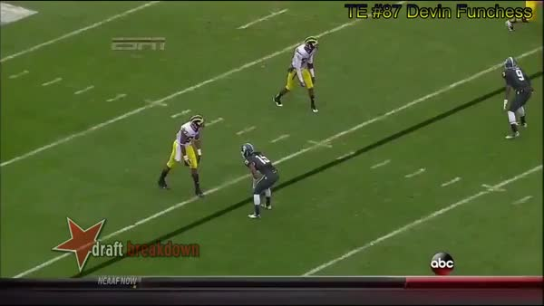 Watch and share Devin Funchess Beats Trae Waynes GIFs by lifesyourcup on Gfycat