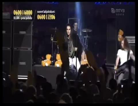 bill kaulitz, live, tokio hotel, Tokio Hotel Finland 1 GIFs