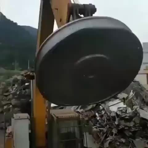 amazing, cool, howitsmade, industrial, justvirals, magnet, reverse, satisfying, Industrial lifting magnet in reverse GIFs