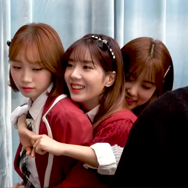 Watch and share Chaewon GIFs and Hyewon GIFs by Atlas of Stars on Gfycat