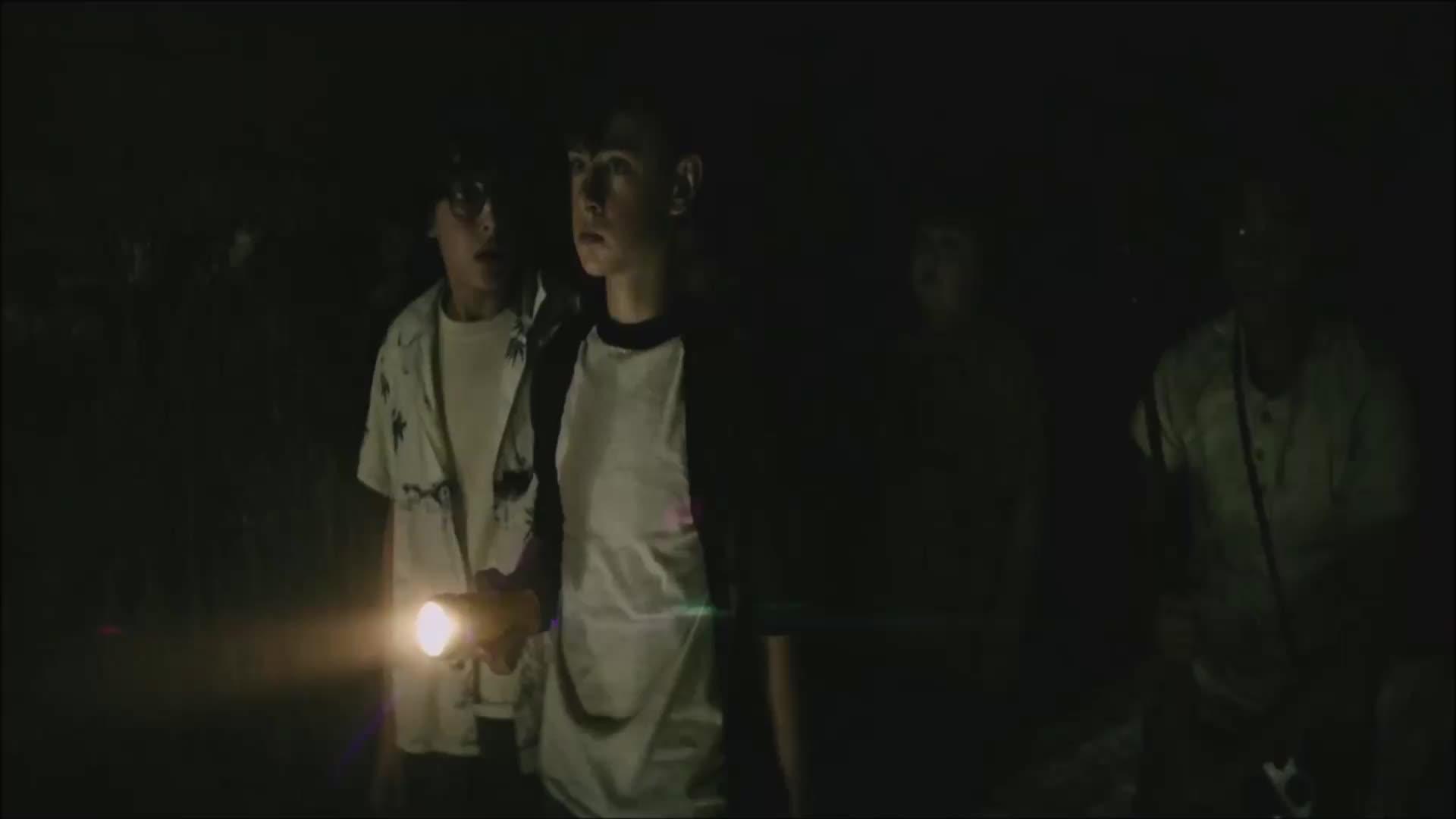 clown, creepy, horror, it, it movie, scary, warner bros., warnerbros, wb, Tunnel exploration. GIFs