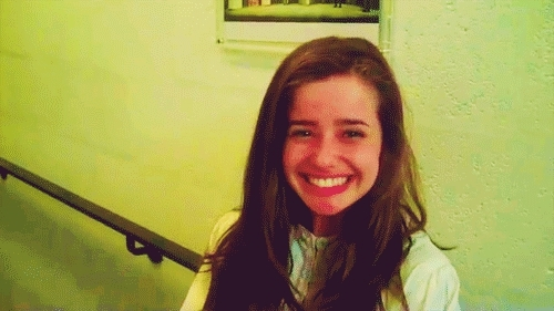 holly earl, That poppy GIFs