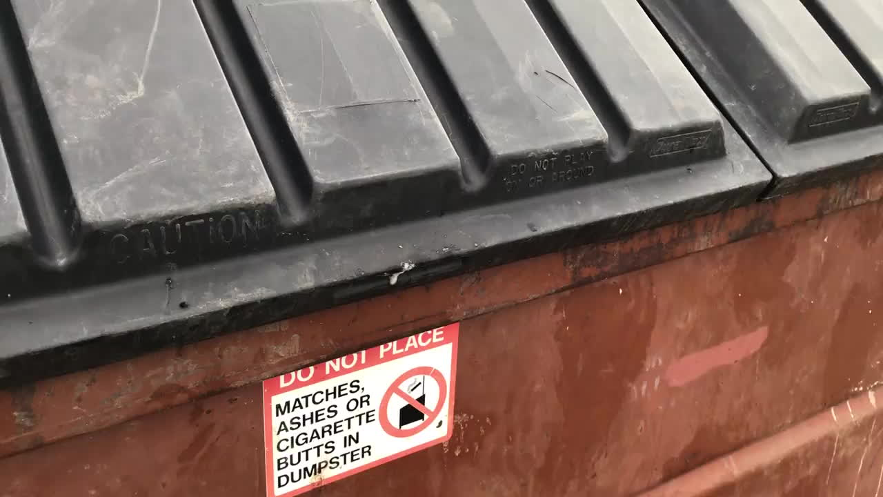 ANormalDayInRussia, Unexpected, What's that noise in the trash? GIFs
